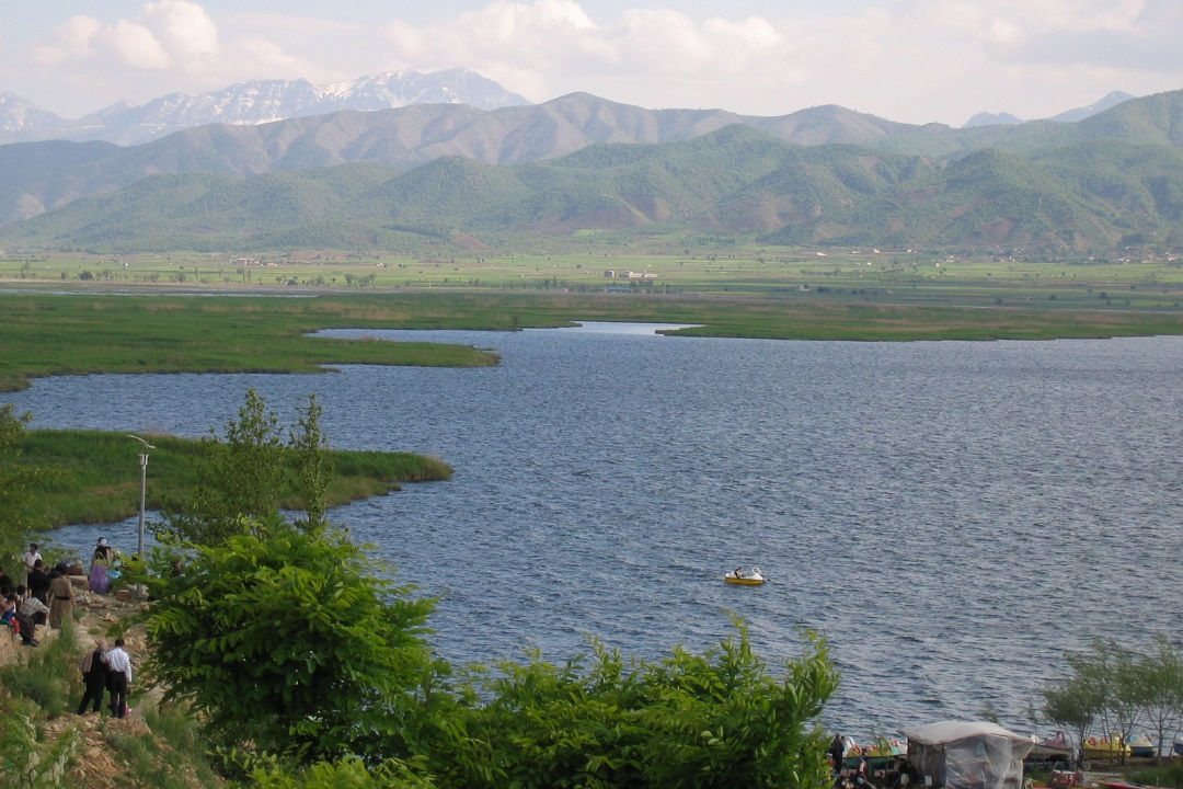 Zarivar Lake, lovely and beautiful in western Iran